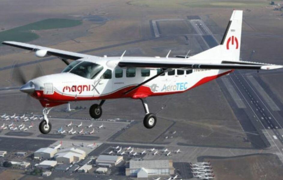 Maior avião elétrico do mundo faz primeiro voo de teste